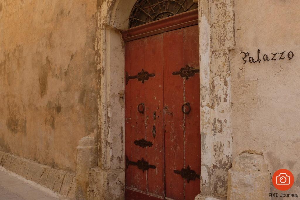 Maltese Door Fuji X100s